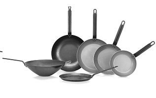Black iron/carbon steel frying pans