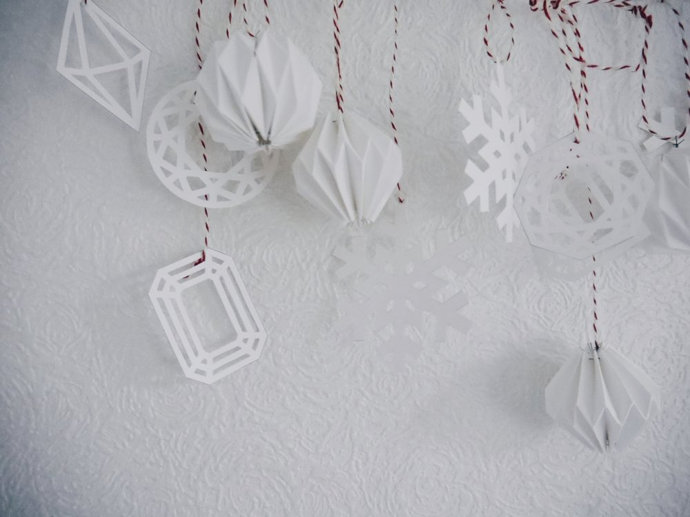 blog:2016:12:diy-paper-christmas-decorations(9).jpg