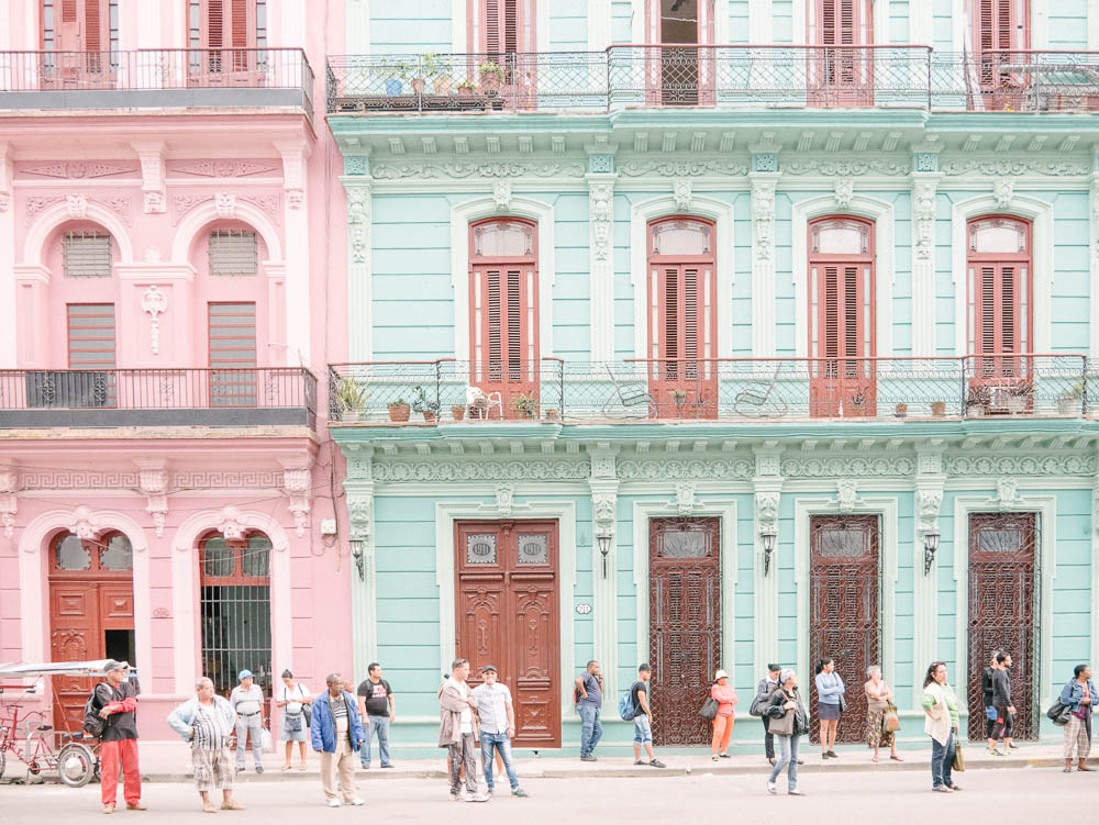 how to book a holiday in cuba
