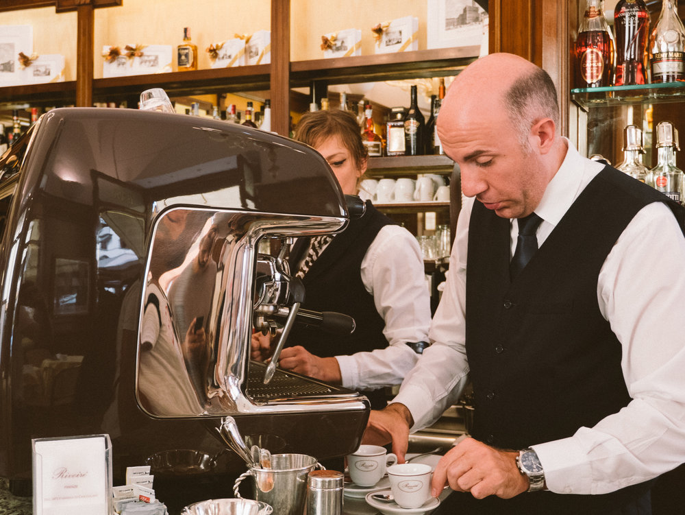 """Un cafe"" - to order an espresso at the coffee bar in Italian"
