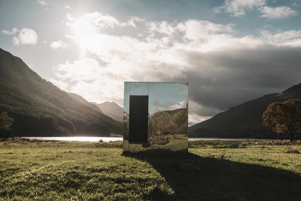 The-Lookout-Mirrored-Box-Installation-at-Loch-Voil-3.jpg