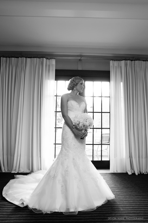 Simply Stunning bride... i <3 my job!!!