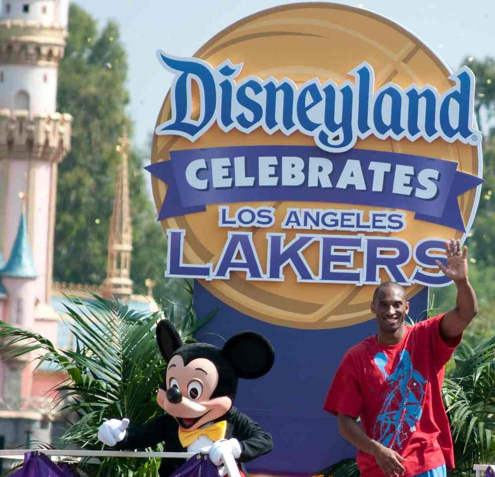 WEb RES Disneyland_Hosts_Victory_Parade_for_Los_Angeles_Lakers.jpg