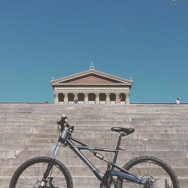 This shot is definitely inspired by my boy @sebastianbuda #vscocam (at Philadelphia Museum of Art)