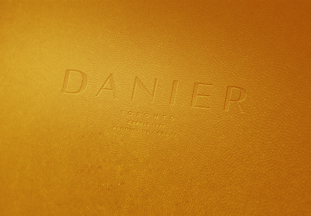 Danier_Leather_mandarine.png