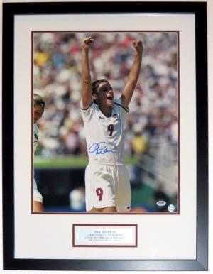 Mia Hamm Signed Team USA 16x20 Photo - PSA DNA COA Authenticated - Professionally Framed