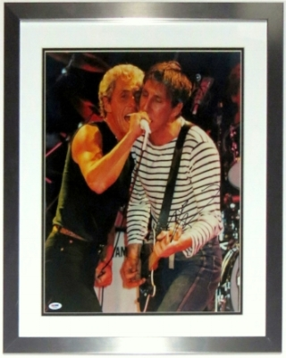 Pete Townshend Signed The Who 16x20 Photo - PSA DNA COA Authenticated - Professionally Framed