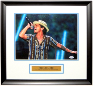 Bruno Mars Signed 11x14 Tour Photo - PSA DNA COA Authenticated - Professionally Framed and Plate