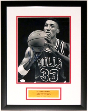 Scottie Pippen Signed Chicago Bulls 11x14 Photo - JSA COA Authenticated - Professionally Framed & Plate