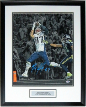 Rob Gronkowski Signed New England Patriots Super Bowl 16x20 Photo - PSA DNA COA Authenticated - Professionally Framed & Plate