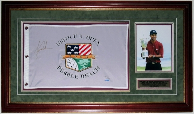 Tiger Woods Signed 2000 U.S. Open Pebble Beach Flag Limited Edition #'d /500 - Upper Deck Authenticated UDA - Professionally Framed & 8x10 Photo & Plate