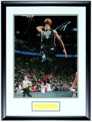 Giannis Antetokounmpo Signed Milwaukee Bucks 16x20 Photo - PSA DNA COA Authenticated - Professionally Framed & Greek Freak Plate