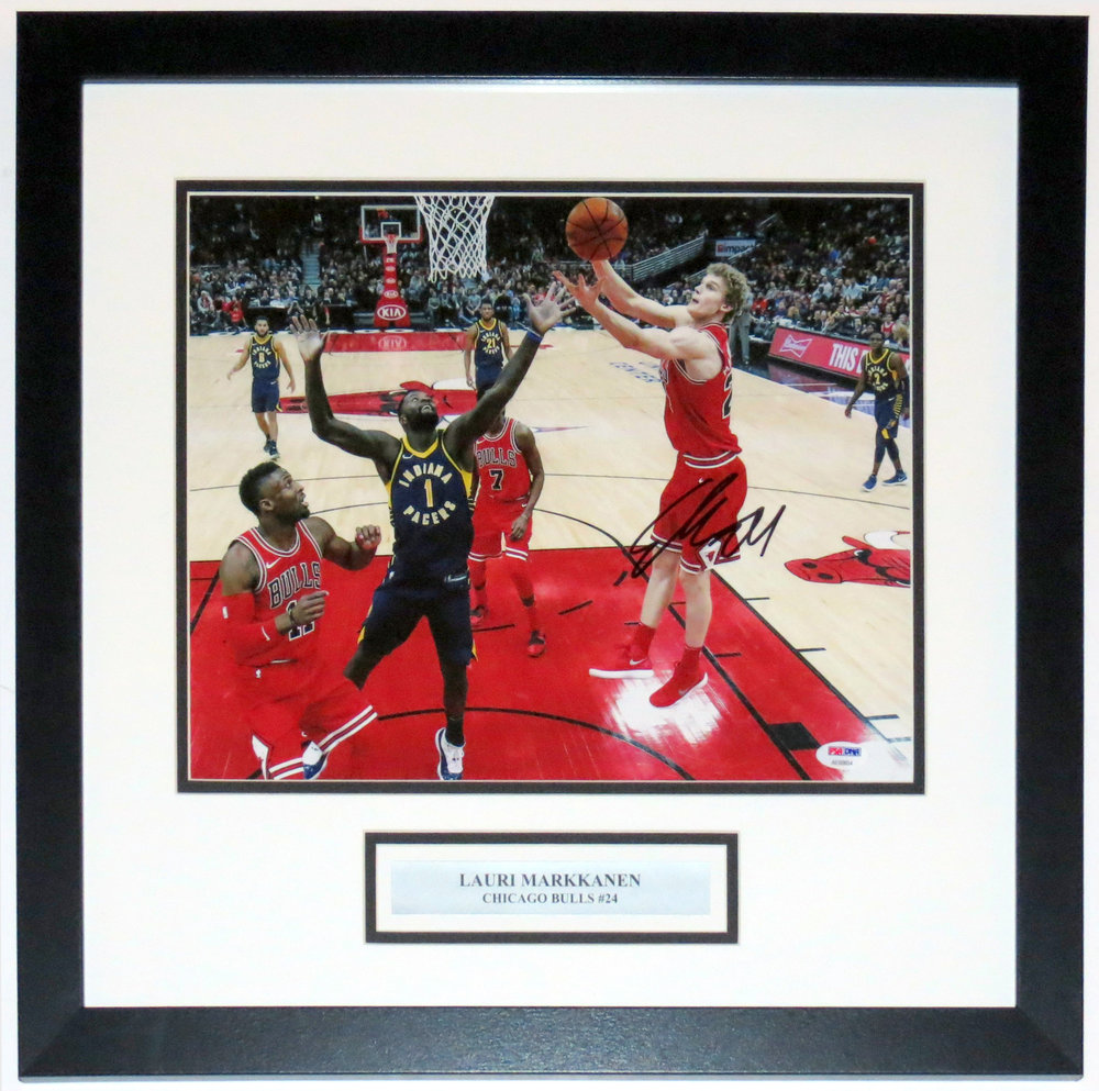 Lauri Markkanen Autographed Chicago Bulls 11x14 Photo - PSA DNA COA Authenticated - Professionally Framed & Plate