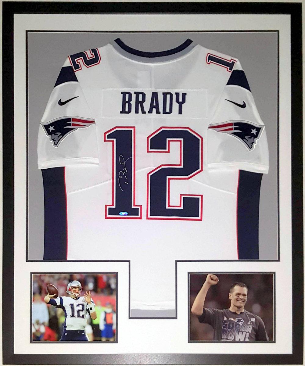 Tom Brady Signed New England Patriots Jersey - Fanatics & Tri-Star COA Authenticated - Professionally Framed & Super Bowl 8x10 Photo