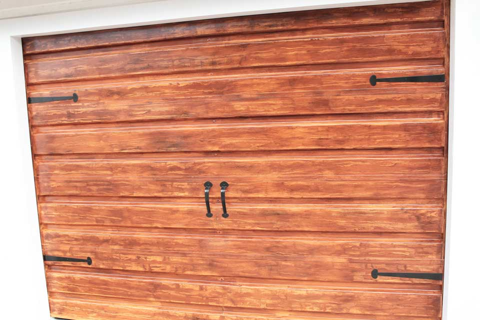 Diy wood design know more popular woodworking practical for Faux wood grain garage door painting