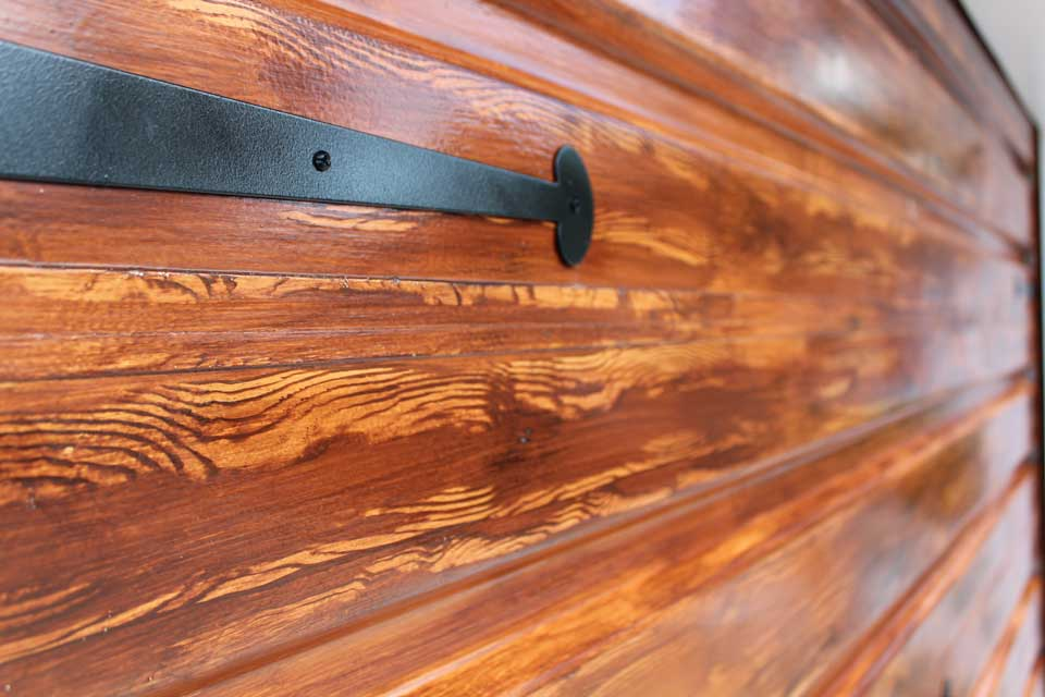 Faux wood grain up close