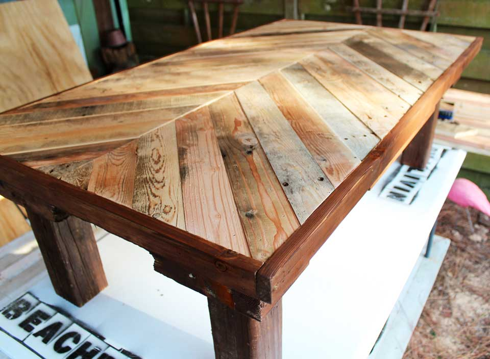 Pallet wood coffee table with stain
