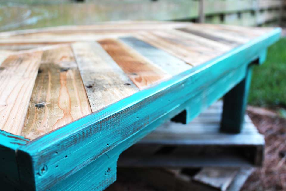 Pallet wood coffee table up close
