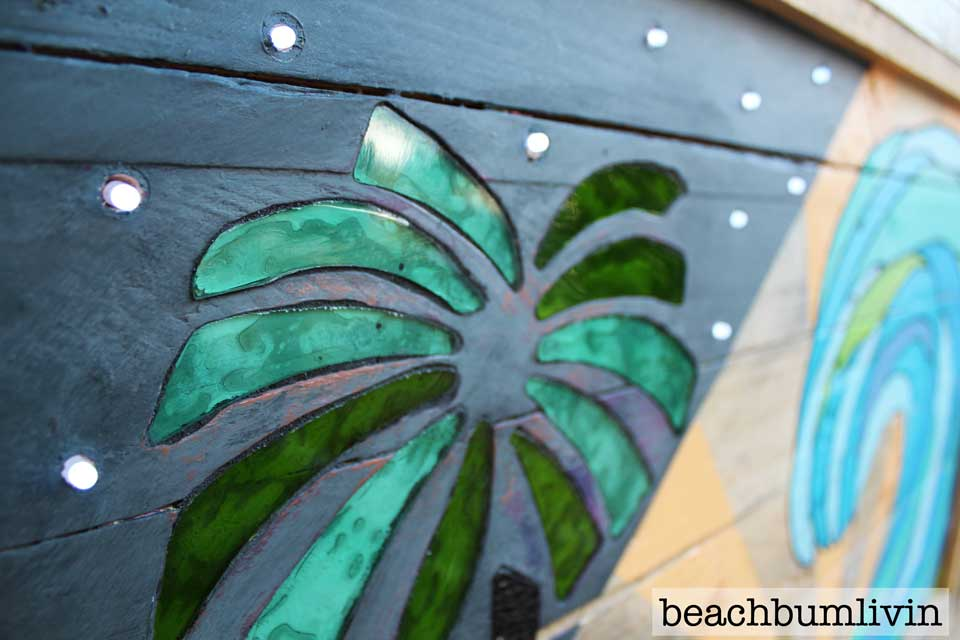 6_Pallet_wood_recycled_art_glass_lights_beachbumlivin-960.jpg