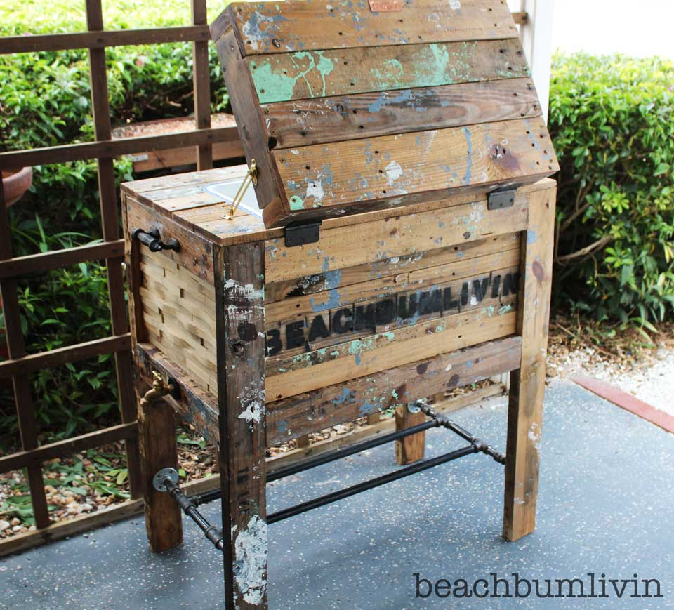 Rustic cooler box with beachbumlivin tag