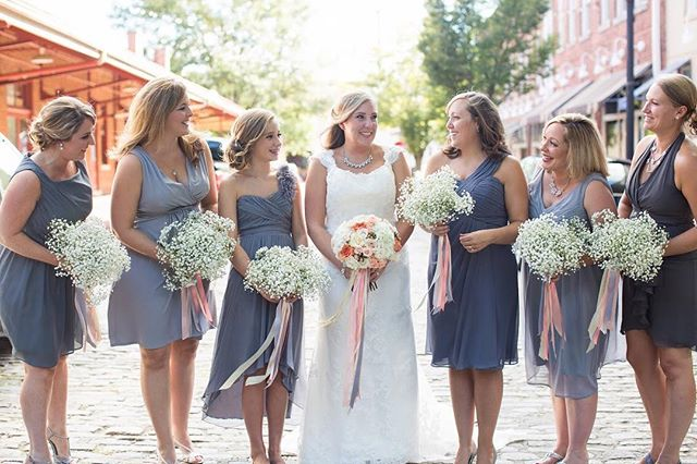 Catherine and her maids! 💕 | Image by @jennadiprima, Venue: @214martinstreet, Planning: @tailoredoccasions