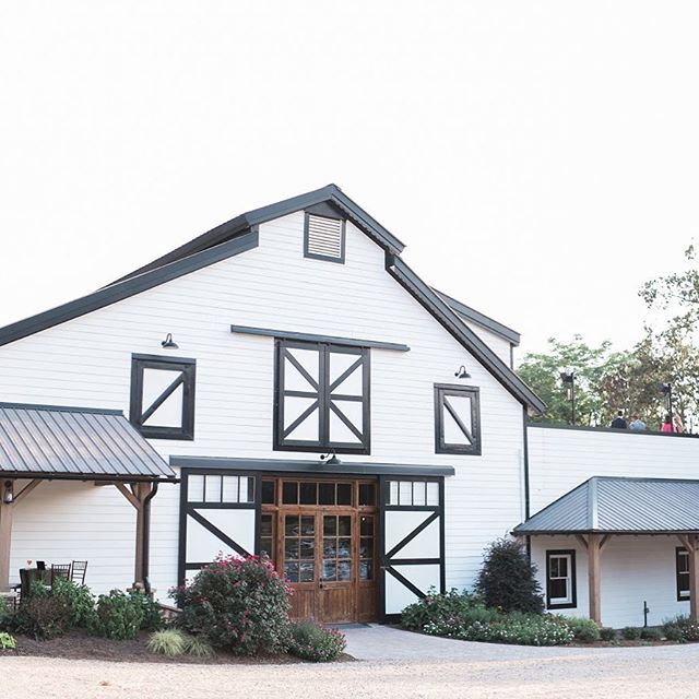 Visiting our friends at @summerfieldfarmsevents today for a final walk-through! I'm always amazed at how gorgeous it is here! Looking forward to Haley and Matt's wedding here soon! Image by @ajdunlap