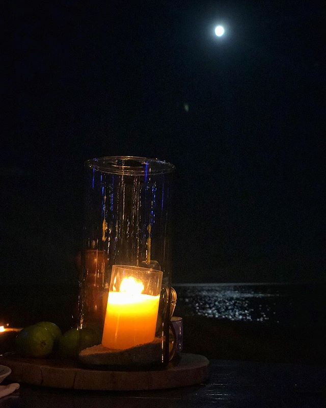 Lights/Out. #candlelight #moonlight #moon #ocean #night #mexico #mextagram #iphoneonly