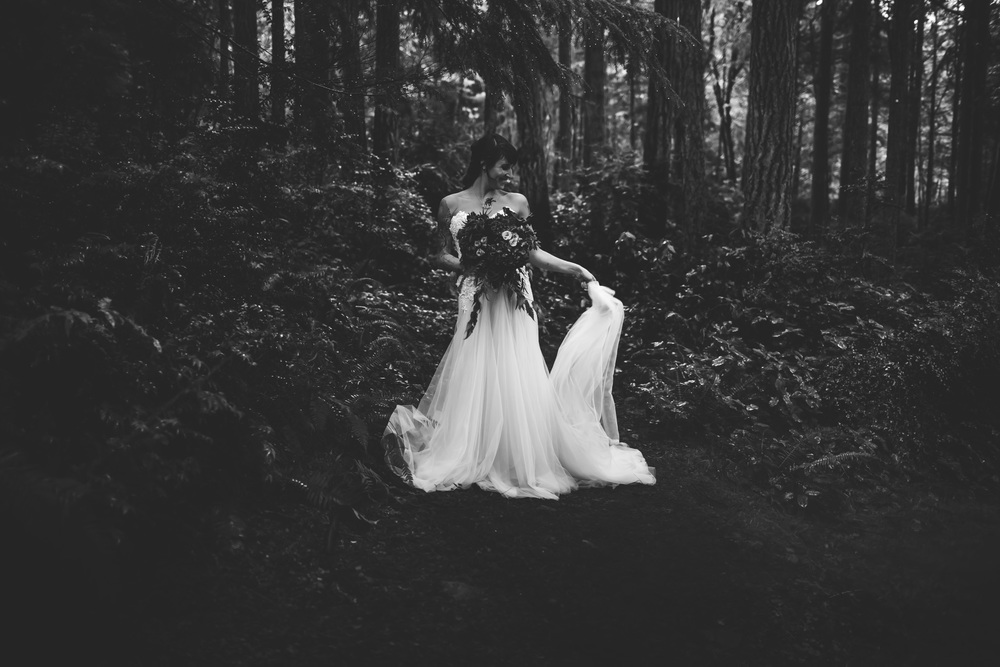DannieMelissaWit_AbeillePhotography.com_BARE_Bridal_COLLABORATION-60.jpg