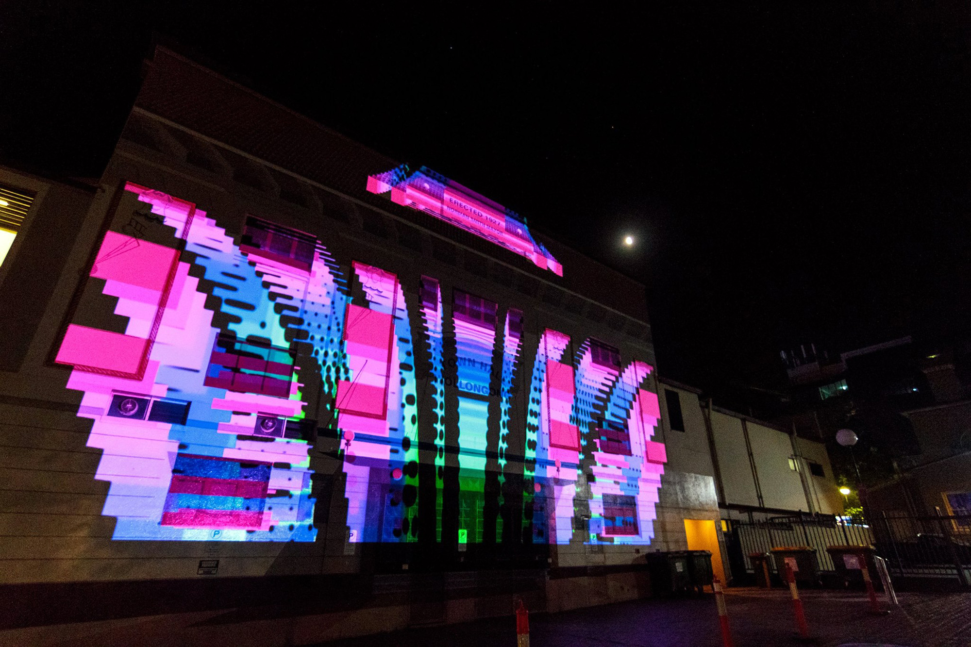 Chris Anderson's NOCTURNAL ARTS - WOLLONGONG CITY COUNCIL: Live projections mapped onto Wollongong Town Hall with Zender Bender. Commissioned by the Wollongong City Council as part of the Nocturnal Arts program aimed activating the Wollongong Arts Precinct after dark.