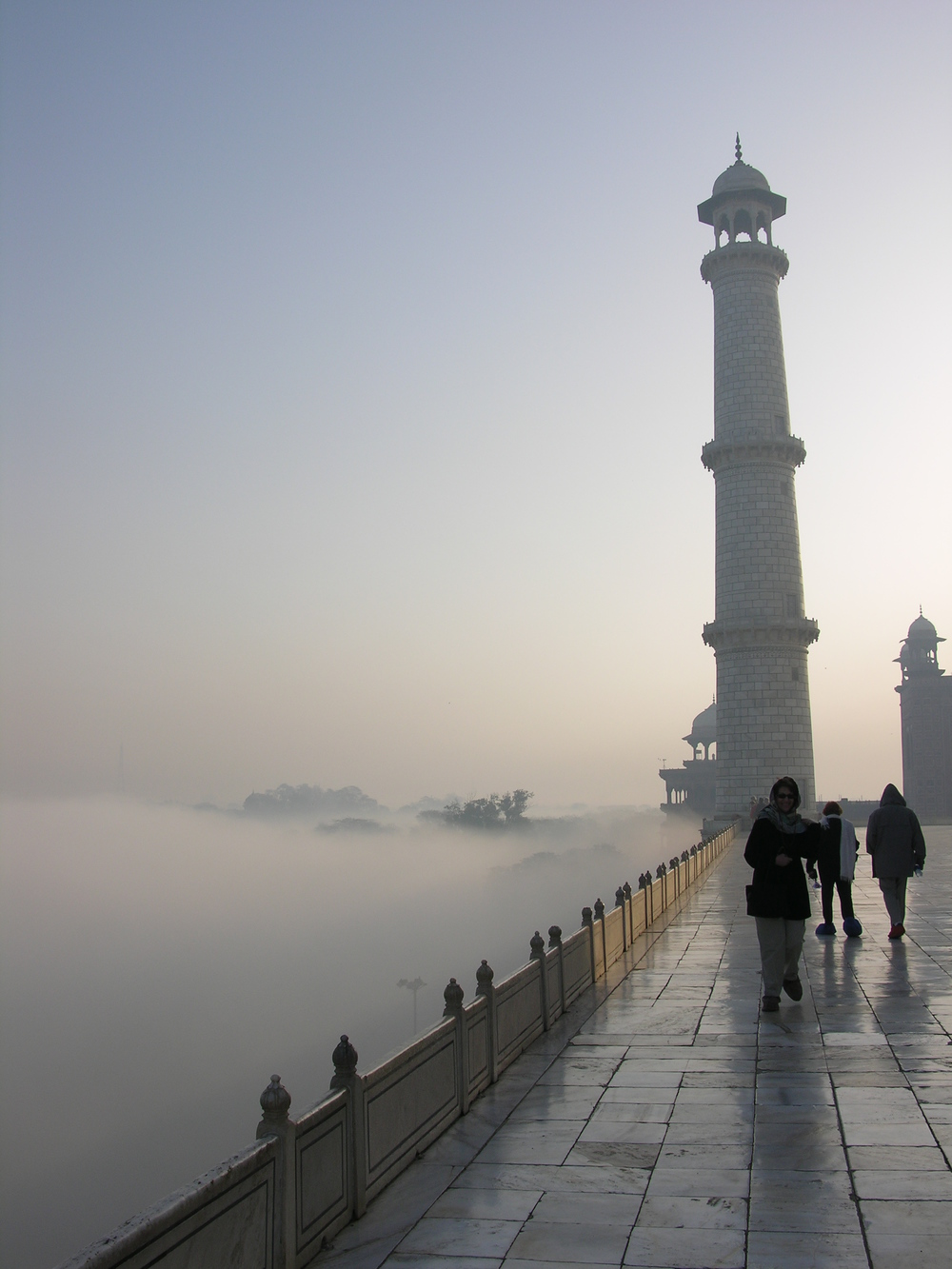 Mist at the Taj Photo credit: Sanjay Chatterji