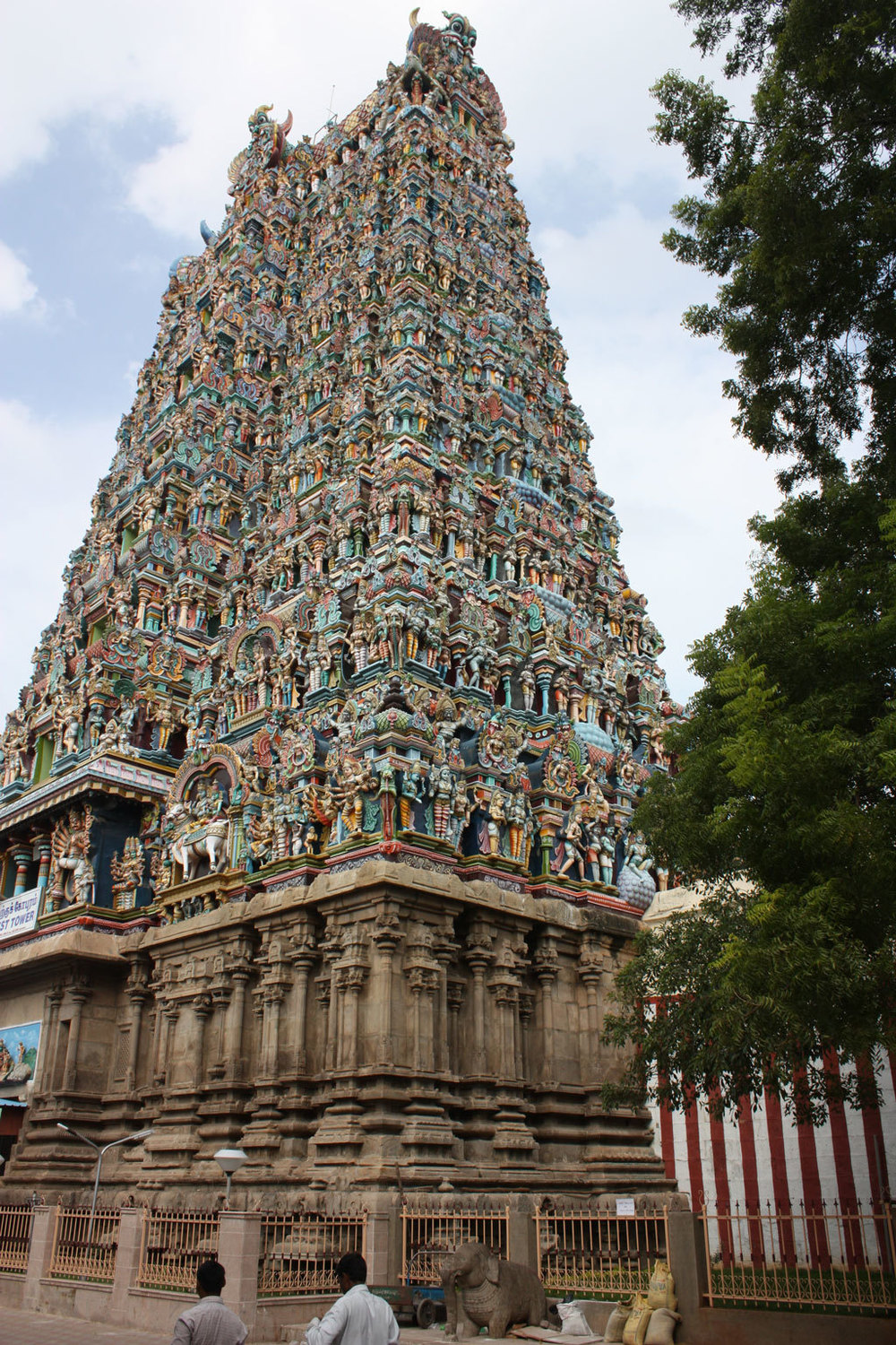 Meenakshi Amman Temple, Madurai Photo credit:  Arian Zwegers