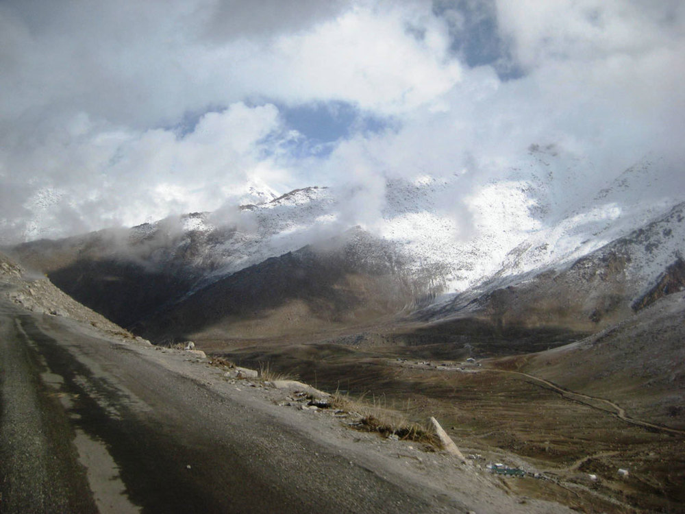 Driving through Ladakh Photo credit: Tanya Viegas