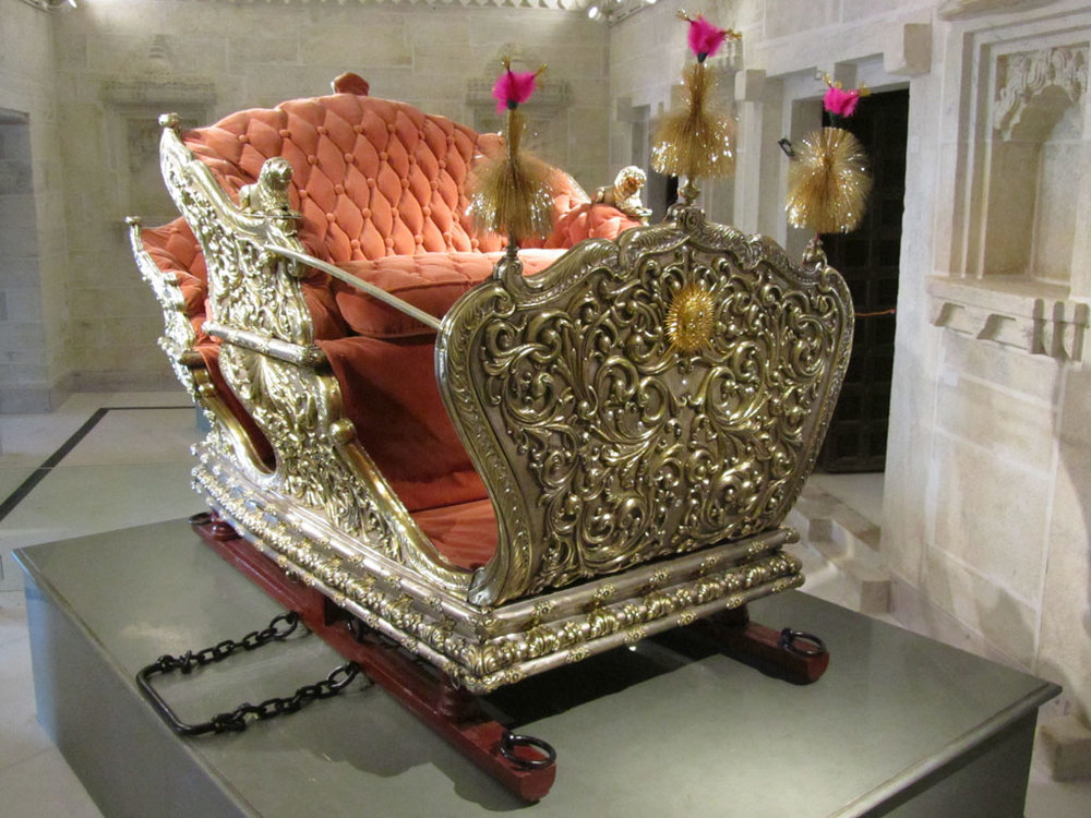Palanquin at City Palace museum, Udaipur Photo credit: Rustom Katrak