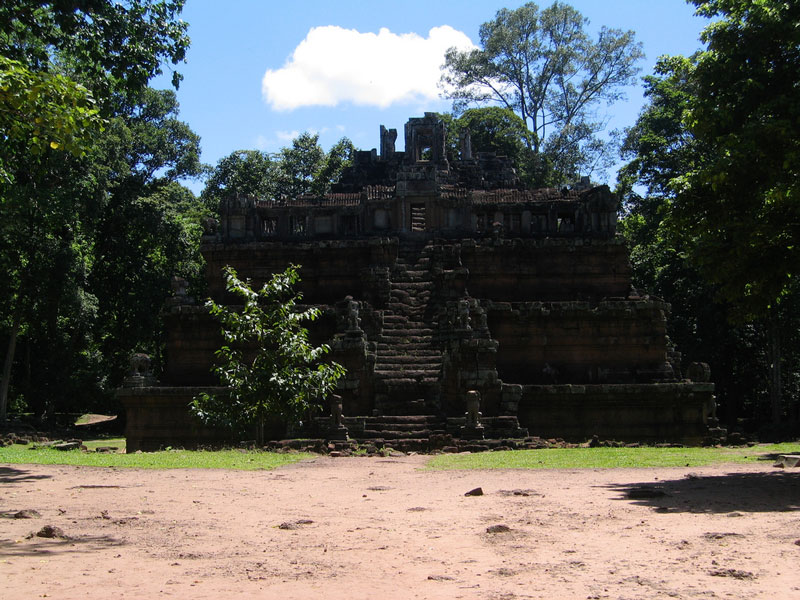 Phimeanakas Temple Photo credit:  Ken Marshall