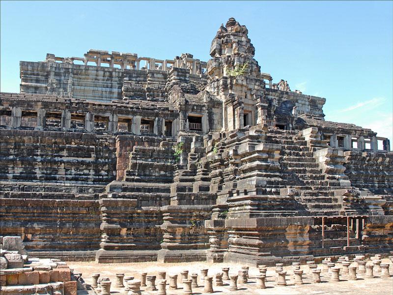 Baphuon Temple Photo credit:  Jean-Pierre Dalbéra