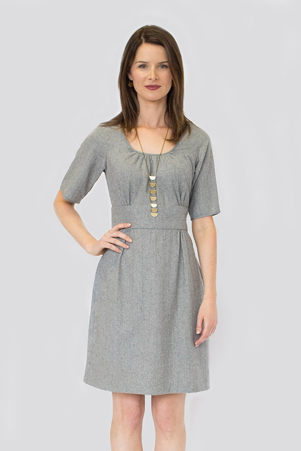 DAHLIA Colette Seasons change and wardrobes transition, but Dahlia remains the perfect dress all year long. Version 1 is perfect for cooler weather; the 3/4-sleeved raglan- style dress has a flat front skirt which sports a kick pleat at the back hem. Version 2 is summery and sleeveless, featuring straps cleverly constructed from bias tape, and a six-panel skirt.