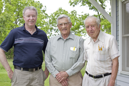 FROM LEFT:  STEVE HAYES WITH RETIRED HOUSE OF CABINET OWNERS MILNE WITBECK AND HAROLD FRANKE