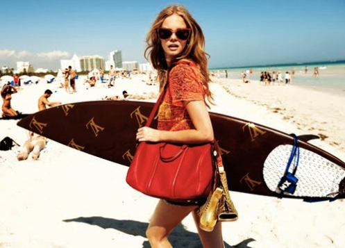 Marloes+Horst+and+a+Louis+Vuitton+surfboard-+via+stardustandsequins.jpeg