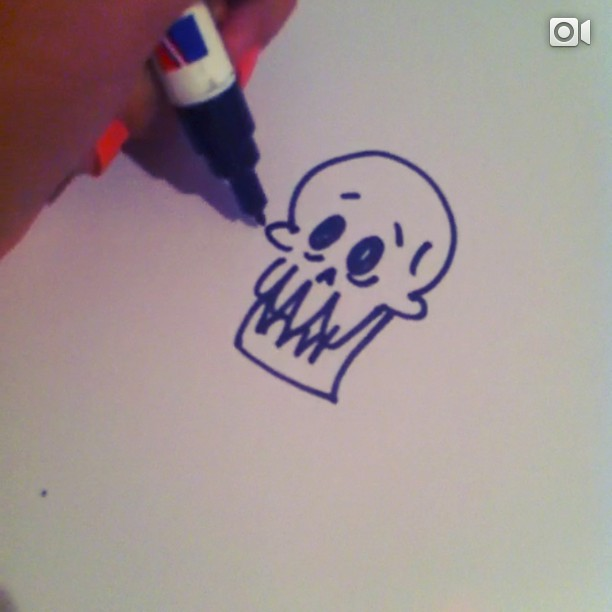 After a long weekend, I thought I'd jump on the bandwagon and draw my own #15secskull ! This also happens to be my #firstigvideo. Now back to drawing! #draw #drawing #sketch #skull #sketching #practice #marker