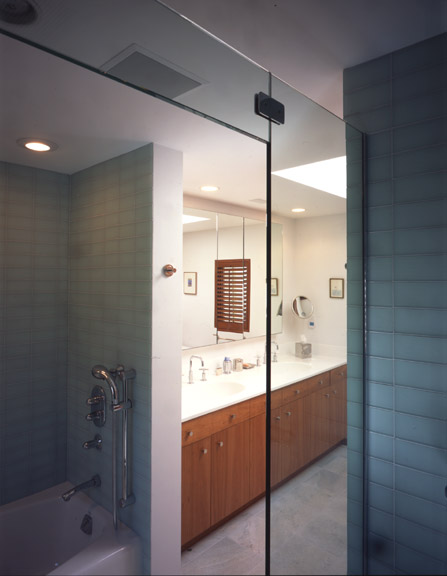0110 - Master Bathroom.jpg