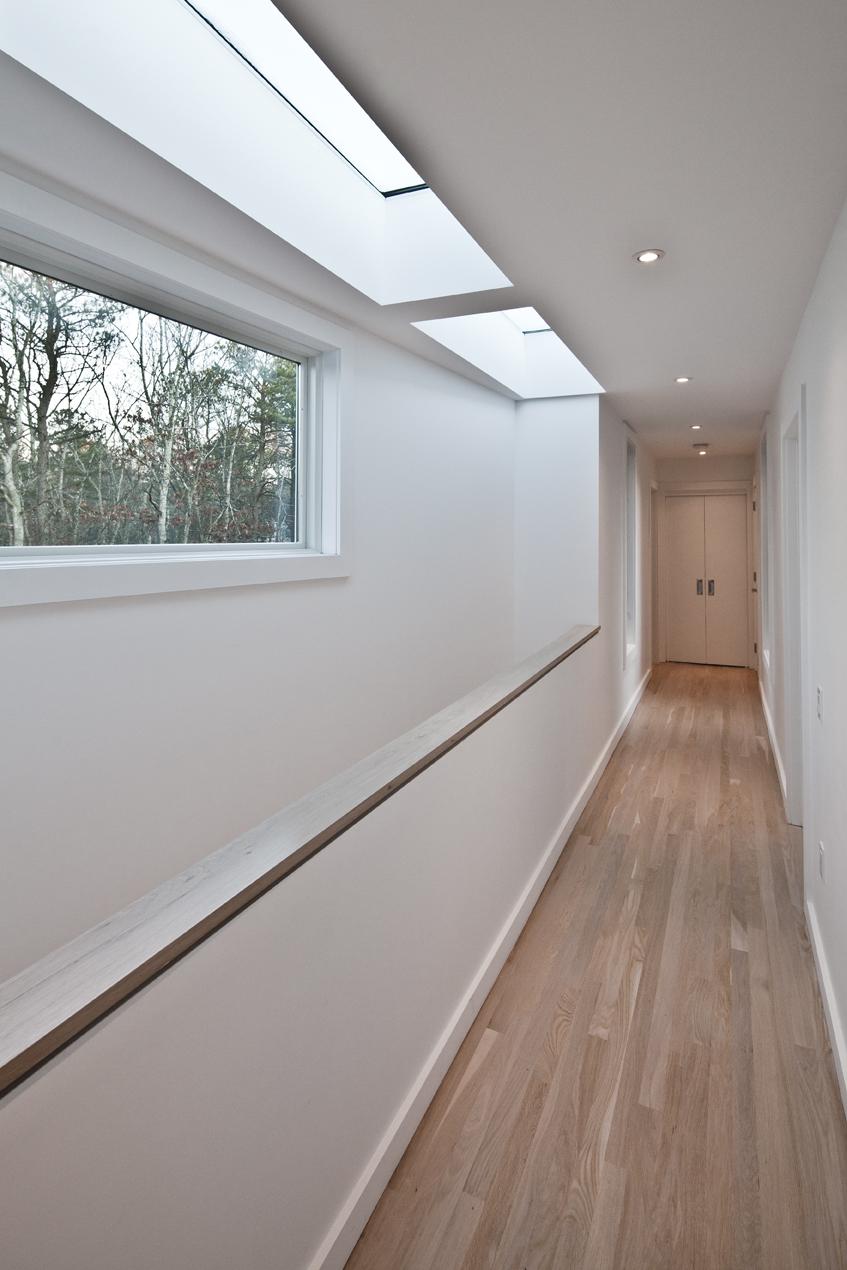 1003 - Hallway.jpg