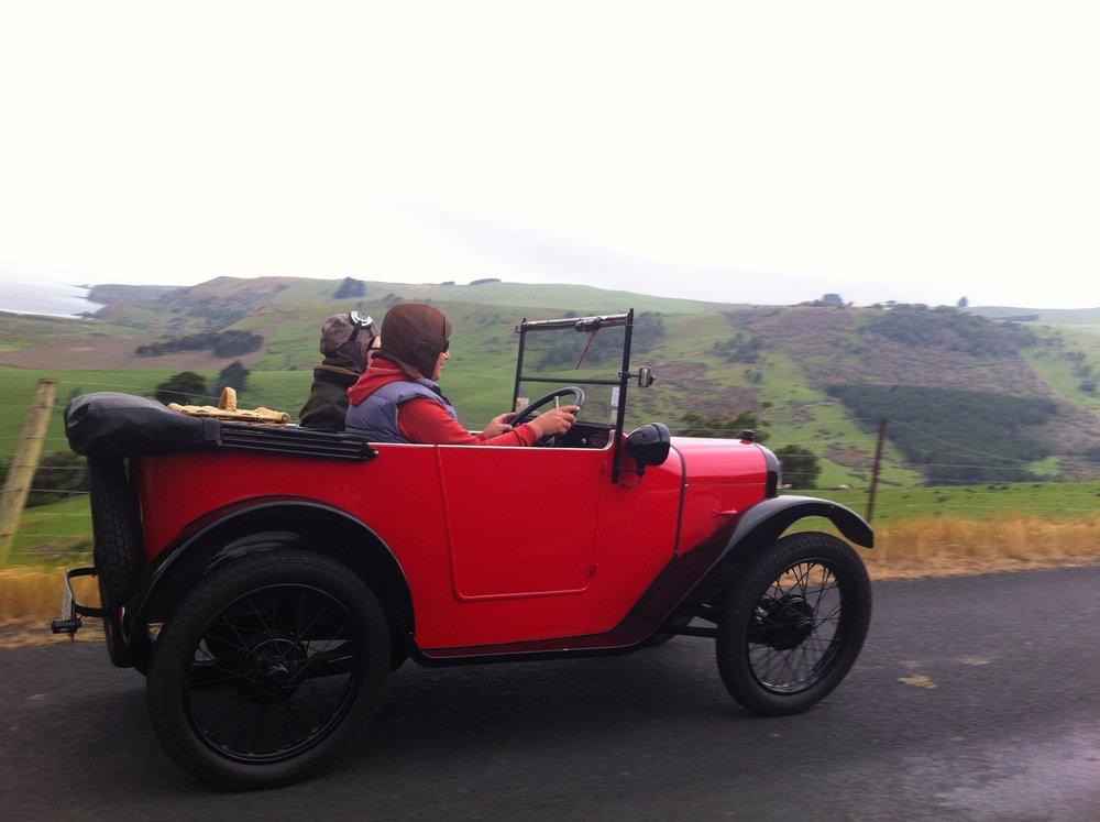 Vintage Car Rally to Puraukaunui  by  Alistair Paterson,   Attribution-ShareAlike 2.0 Generic