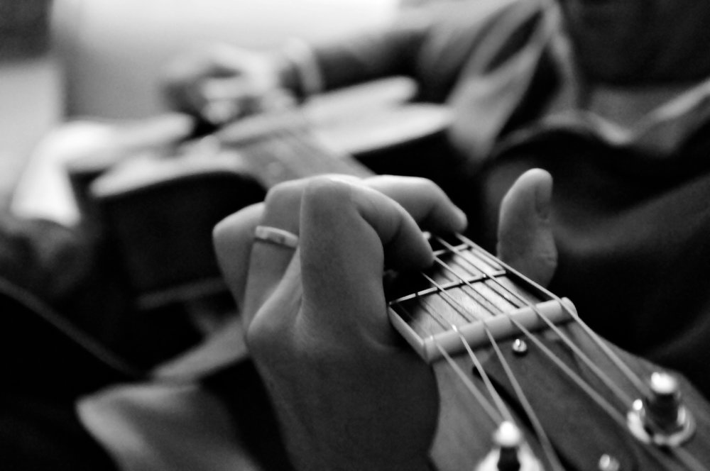 Master The 7 Basic Guitar Chords - Master all seven basic guitar chords, and use them to play popular guitar songs in less than a week.