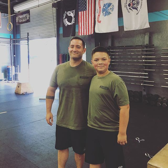 Twins of the day! CFV meet Brian and Zak they're awesome. Zak is 11, Zak does CrossFit. Parents be awesome like @hampel7 and @sassykassi8 and bring your kids to Crossfit. . . #crossfitdad #OIF #OEF #herodad #cfvfamily #crossfitisforeveryone