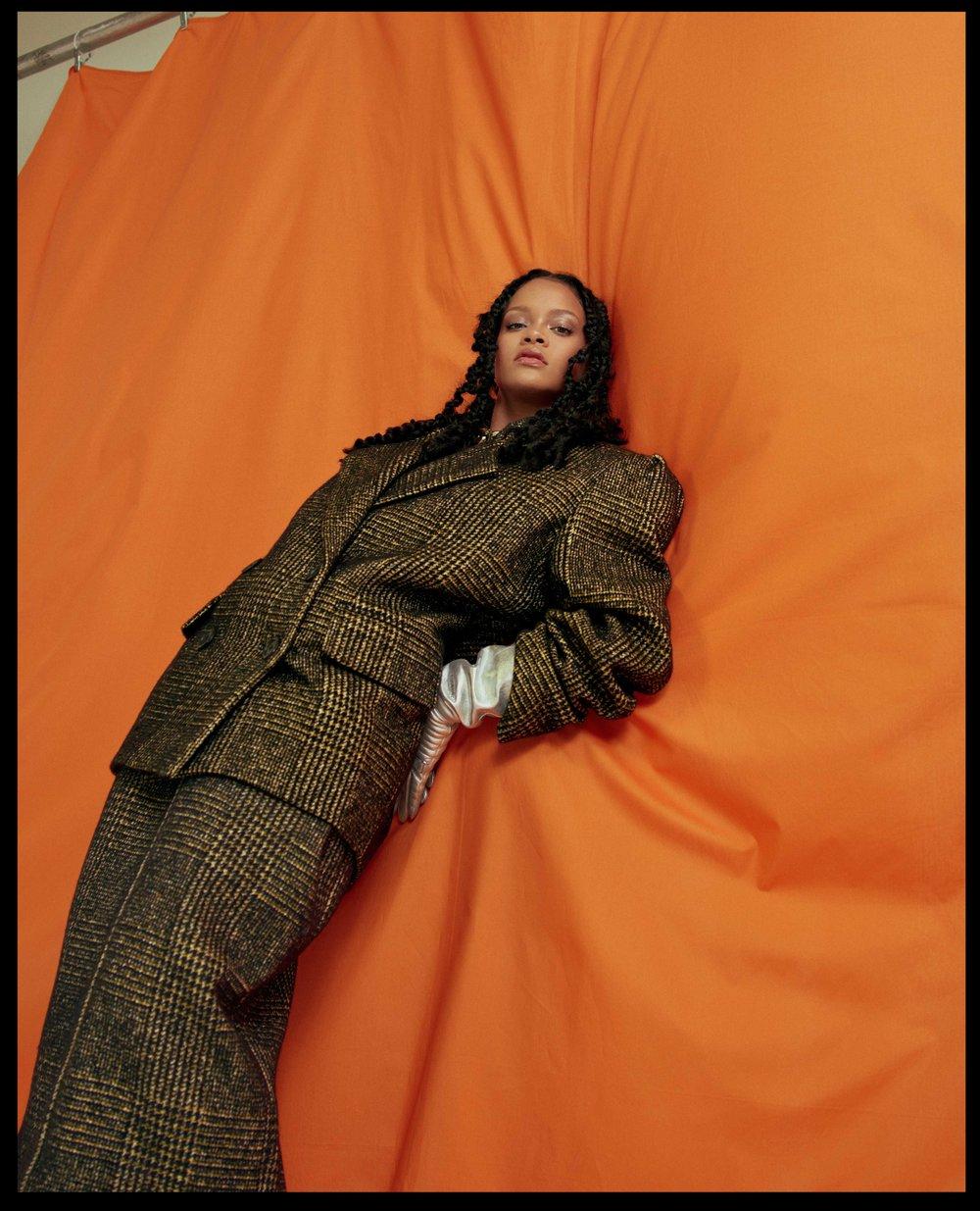 AL100118Profile_Rihanna04.jpg