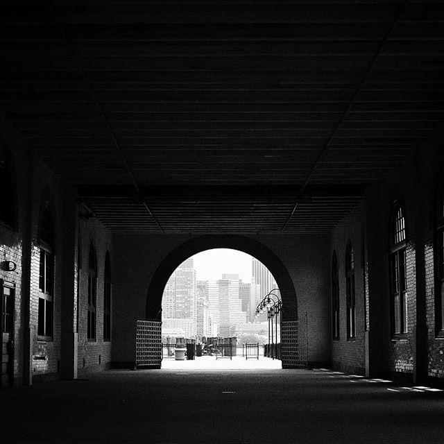 OFF THE BOAT  #newyork #newjersey #centralrailroad  #chicago #chicagoart #chicagophotographer #chicagophotography #filmmaker #filmmaking #production #cinematography #blackandwhitephotography #blackandwhite #bnwsouls #bnw_greatshots #bnwlife #bnwphotography #bnw