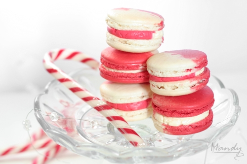 Bright & cheerful candy cane macarons