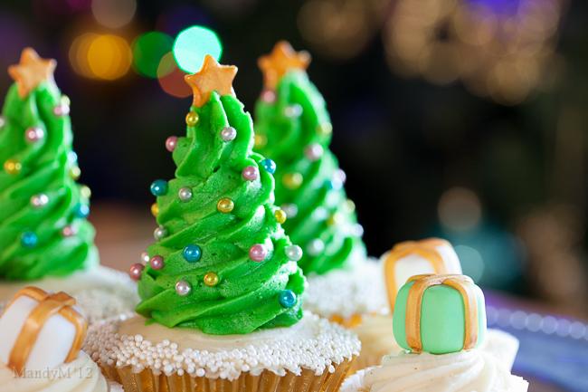 Christmas Tree Cupcake-2090.jpg