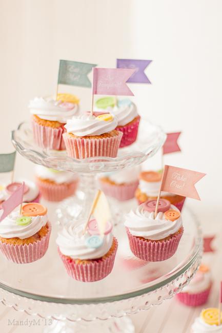 Strawberry Cupcakes-8989.jpg