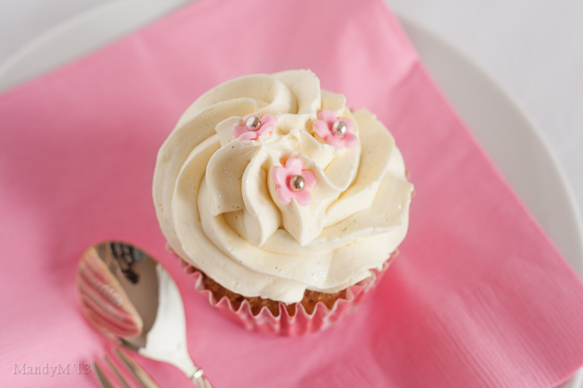 Pretty in pink. Valentines perhaps? Or maybe a baby or bridal shower or a princess's birthday